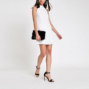 Weißes, ärmelloses Swing-Kleid mit Paillettenverzierung