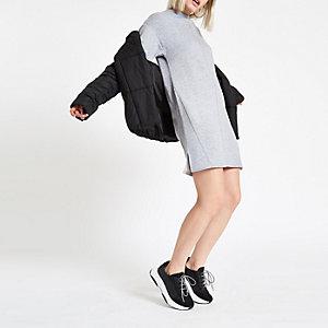 Grau meliertes, hochgeschlossenes Pulloverkleid
