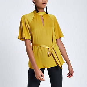 Yellow short sleeve tie front blouse