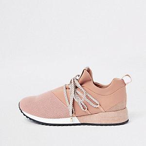 Baskets de course rose clair à lacets
