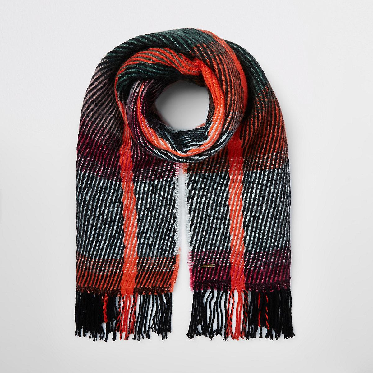 Green stripe fluffy scarf