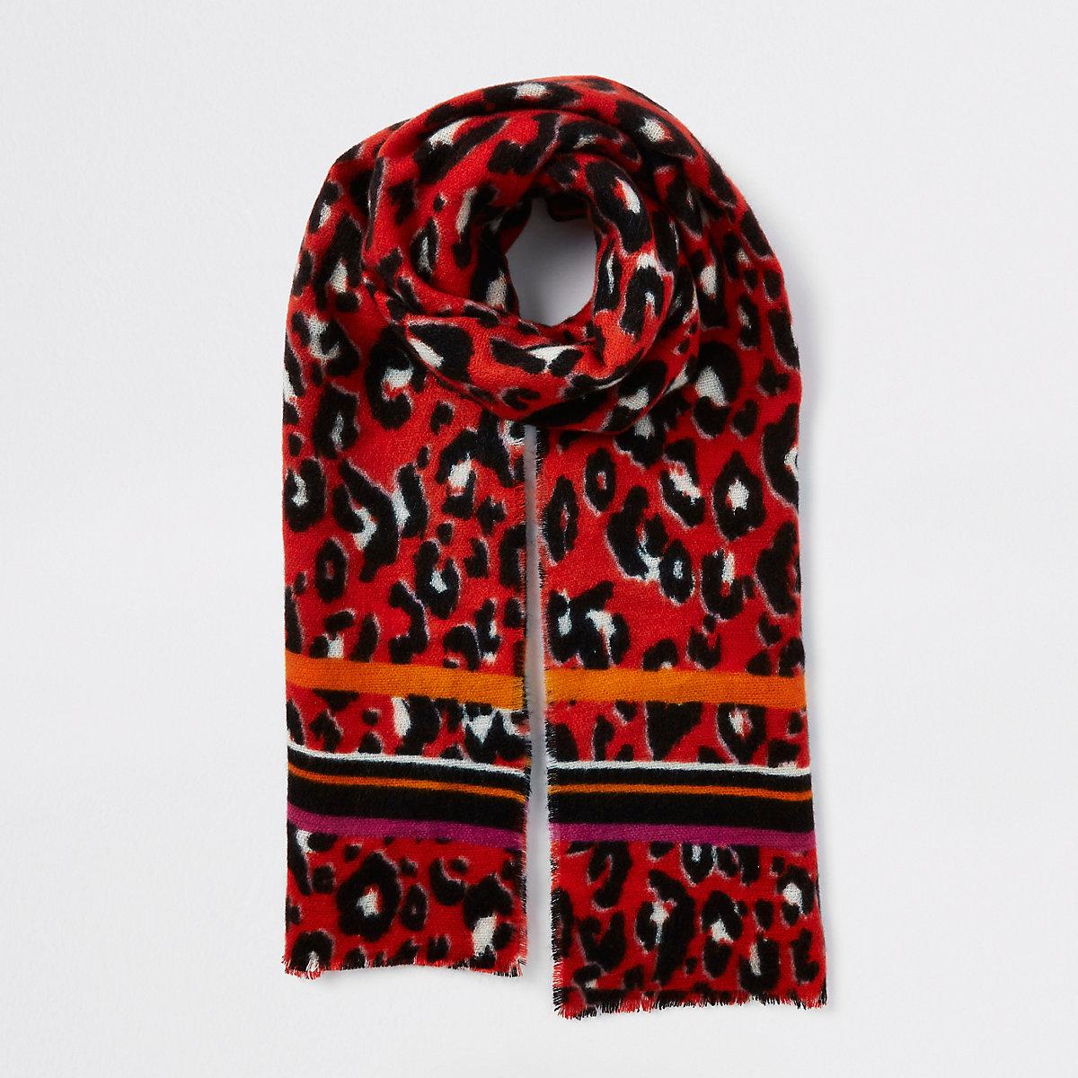Écharpe imprimé léopard rouge Écharpe imprimé léopard rouge ... b94f588aafb