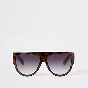 Brown tortoiseshell print visor sunglasses