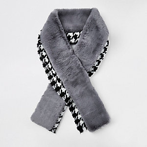 Blue houndstooth faux fur trim scarf