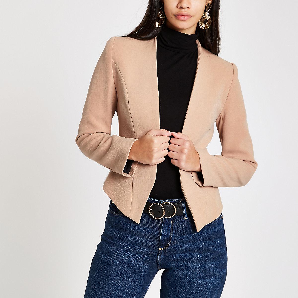 Beige shoulder pad long sleeve blazer