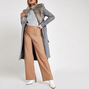 Manteau peignoir gris à ceinture bordé de fausse fourrure