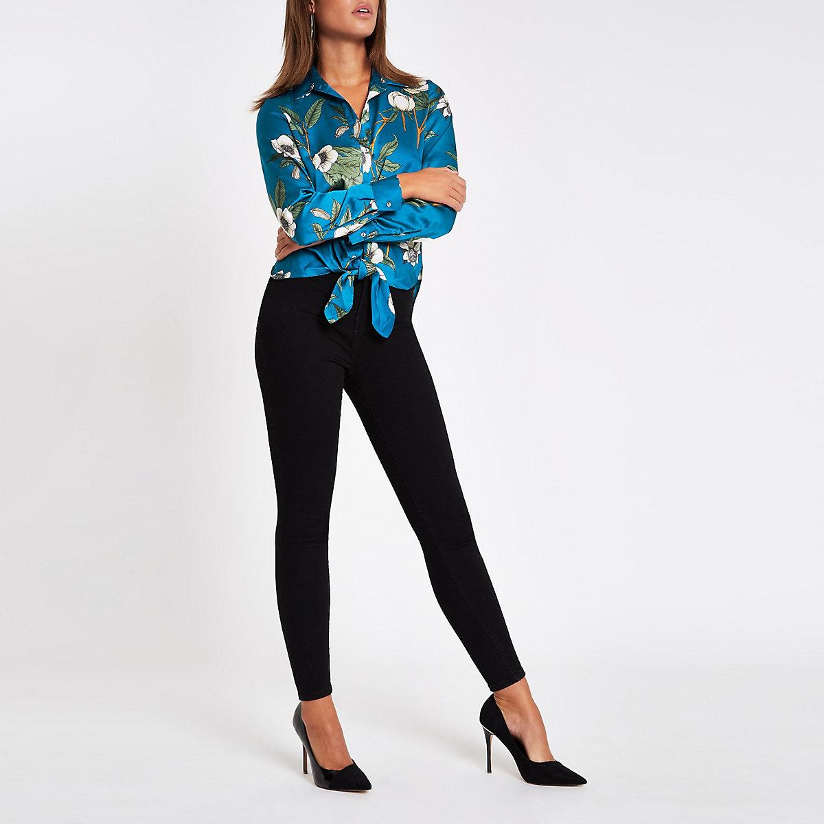 Blauw overhemd met bloemenprint en strik aan de zoom