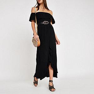 Zwarte gesmokte maxi-jurk in bardotstijl