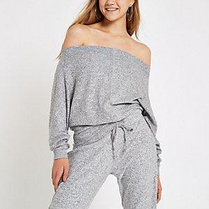 Grauer Bardot-Pullover mit Strass und Fledermausärmeln