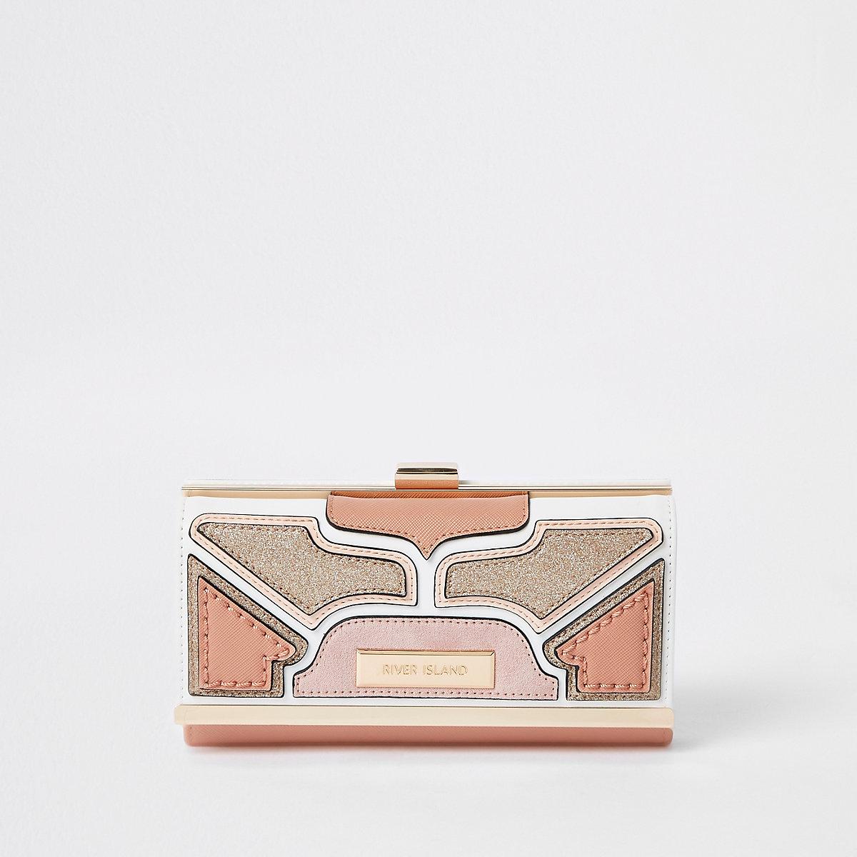 Light pink cutabout panel cliptop purse