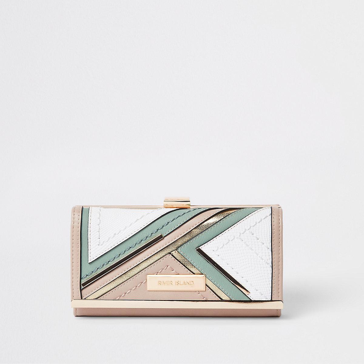 Light green cutabout panel cliptop purse