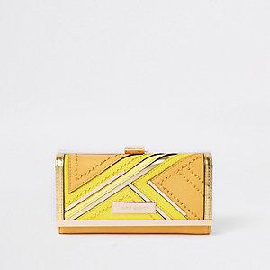 Gelbe Geldbörse mit Clipverschluss