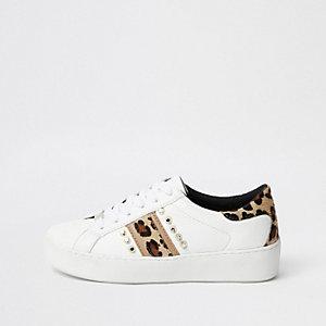 Baskets imprimé léopard blanches cloutées