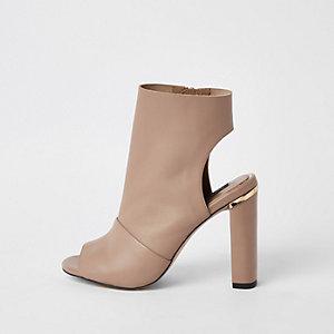 Beige leren schoenlaarsjes met brede pasvorm