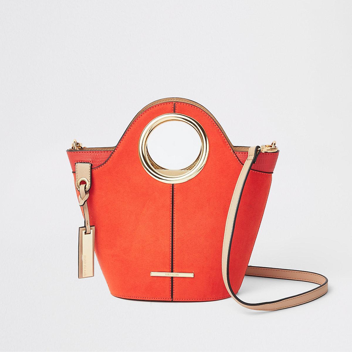Felrode mini-handtas met cirkelvormig hengsel