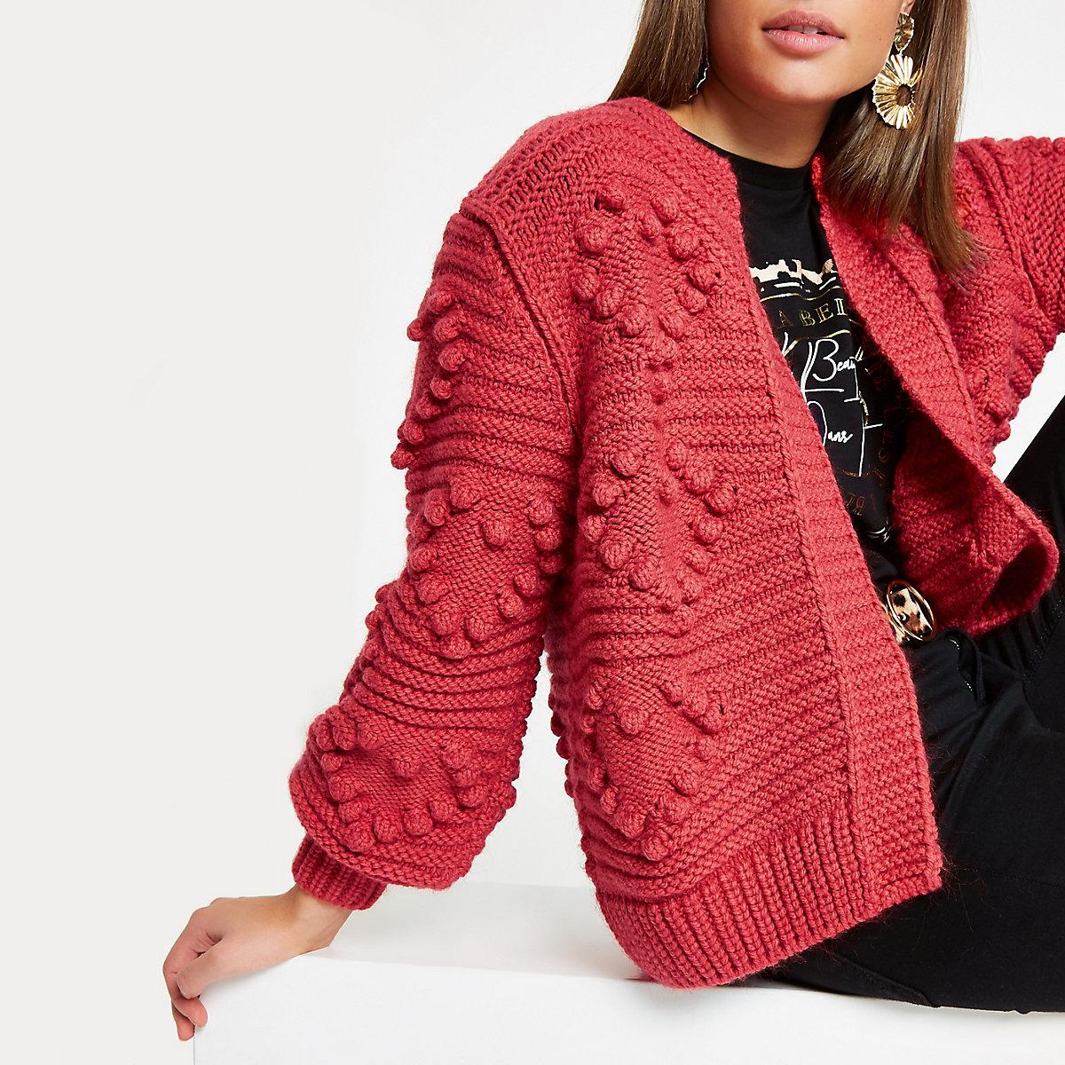 Cardigan en maille épaisse rouge à pompon motif cœur