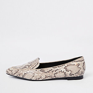 Mocassins imprimé serpent beige à bout pointu coupe large