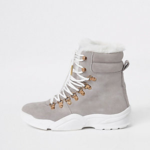 Grey faux fur lined lace-up runner boots