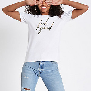 """Weißes T-Shirt """"feel good"""" mit Camouflage-Muster"""