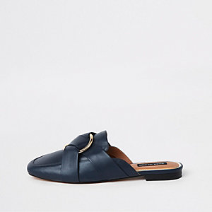 Marineblaue Loafer