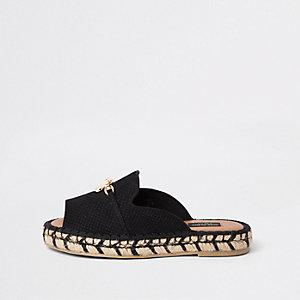 Schwarze Sandalen mit Peeptoe, weite Passform