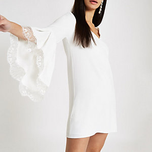 White lace trim flare sleeve swing dress