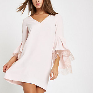 Pink lace trim flared sleeve swing dress