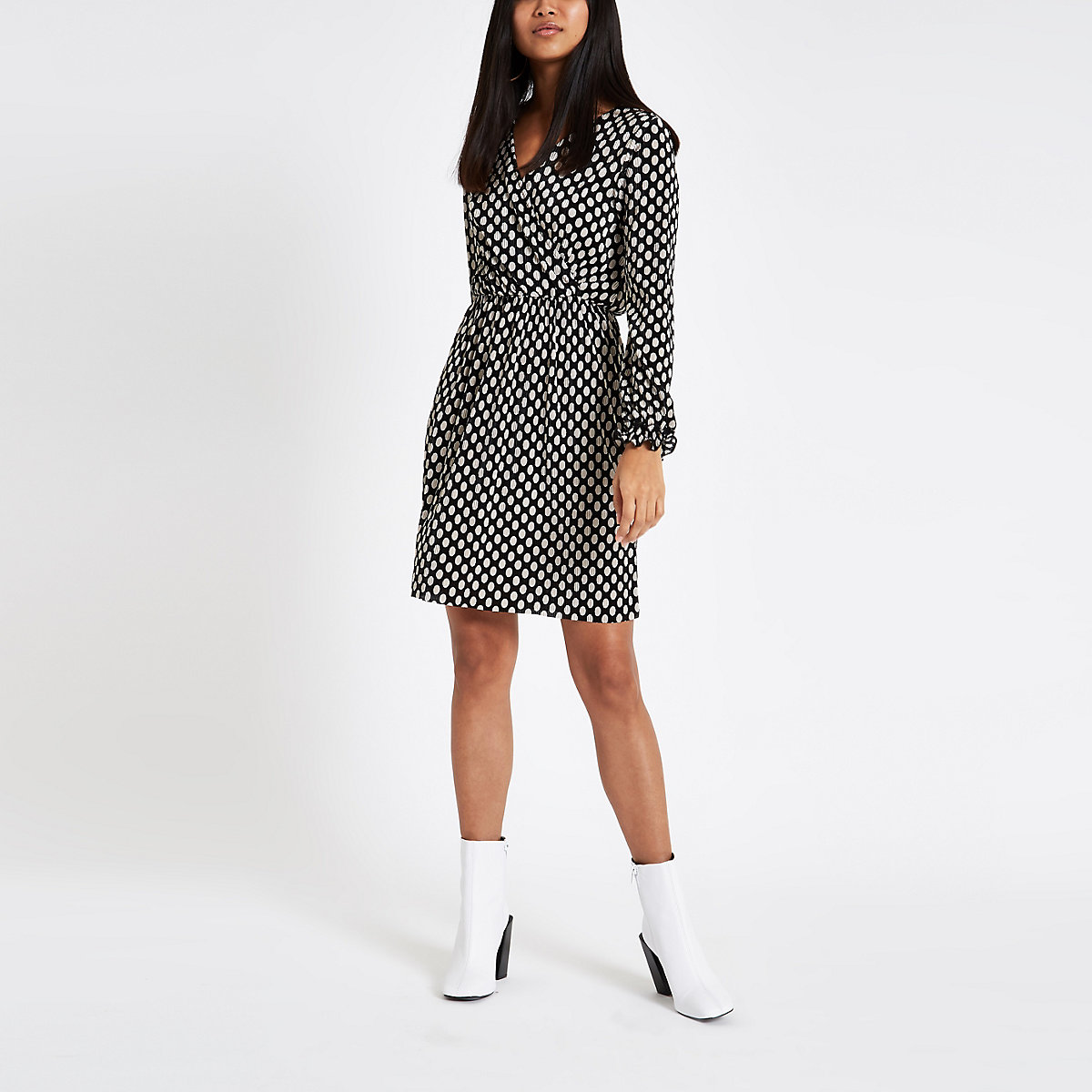 Petite black spot plisse tea dress