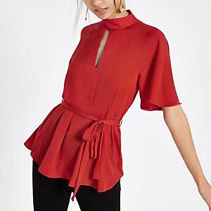 Rote, kurzärmlige Bluse zum Binden