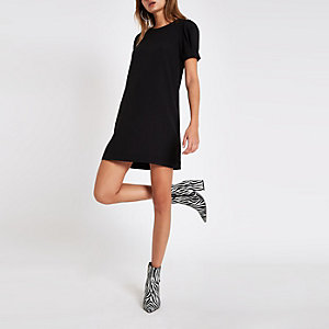 Black short sleeve swing dress