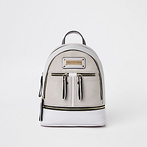 Grauer Rucksack mit doppeltem Reißverschluss