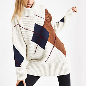 Cream argyle roll neck knit sweater