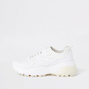 Witte vetersneakers met gelaagde zool