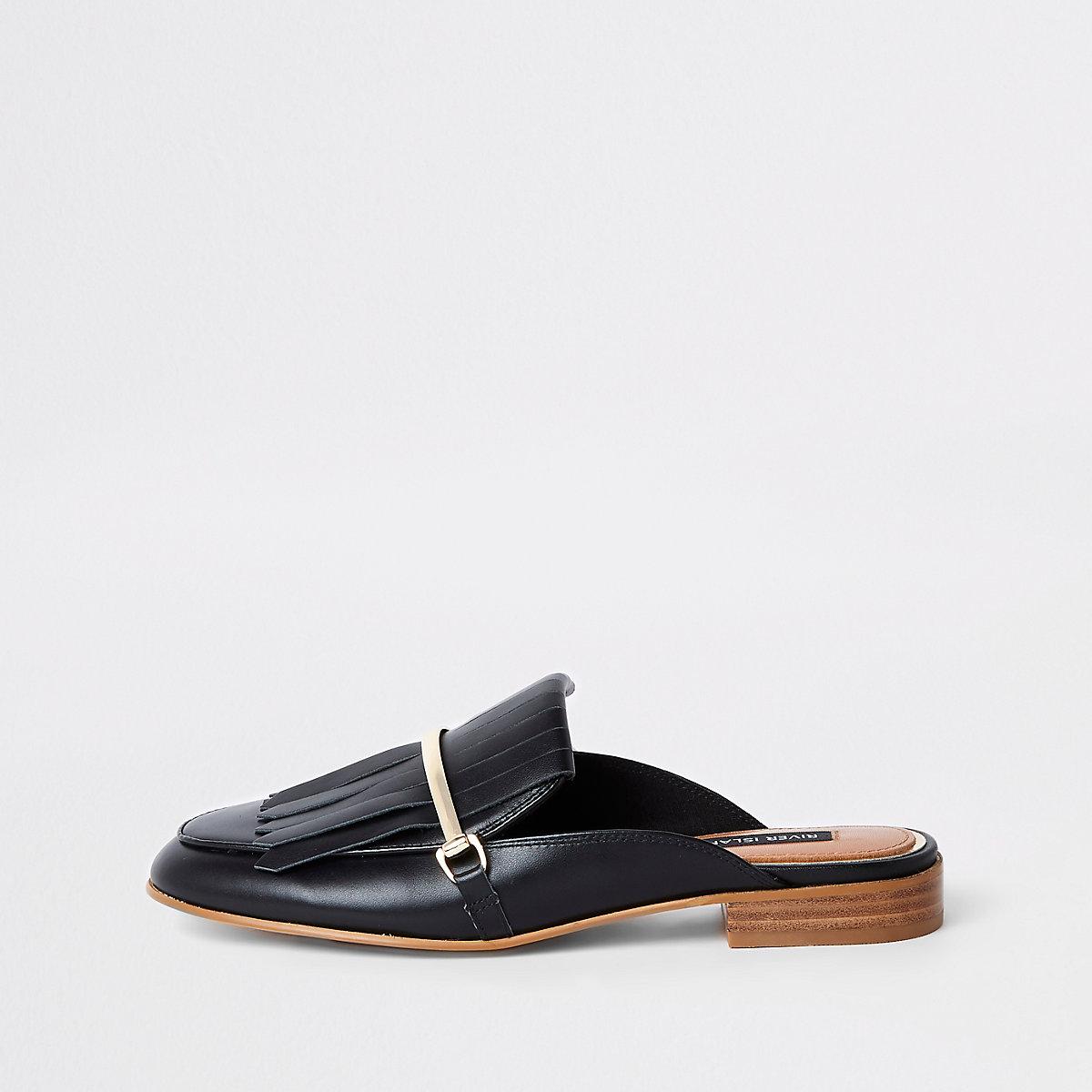 Black fringe leather backless loafers