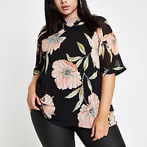 RI Plus - Zwarte plissé top met bloemenprint