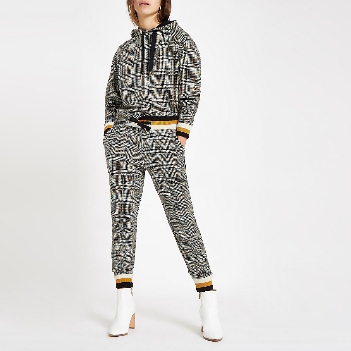 Petite brown check joggers