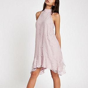Robe trapèze dos nu rose avec ourlet à volant