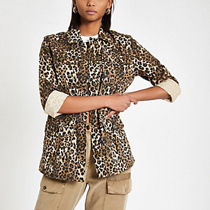 Bruin legerjack met luipaardprint