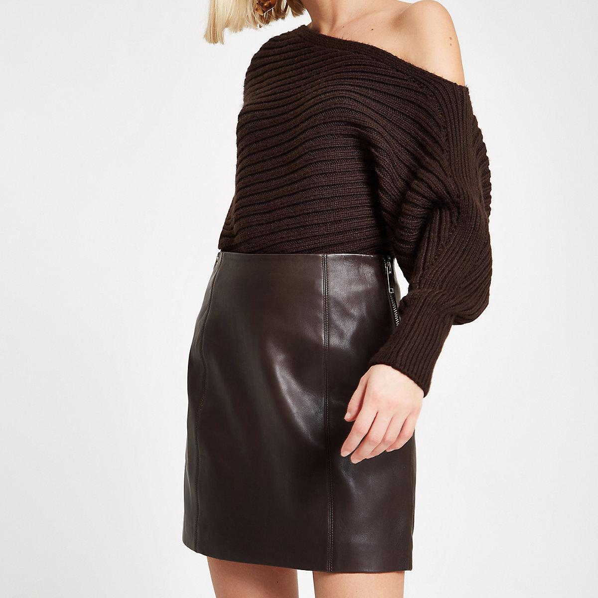 Dark brown leather side zip mini skirt