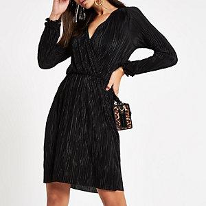 Robe cache-cœur courte noire plissée