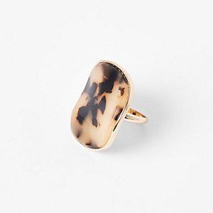 Gold tone tortoiseshell ring