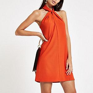 Mini robe orange foncé évasée à col drapé