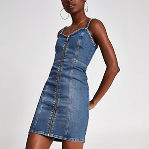 Robe chasuble en denim bleu moyen