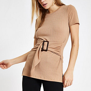 Beige ribbed belted crew neck T-shirt