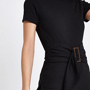Zwart geribbeld T-shirt met ceintuur en ronde hals