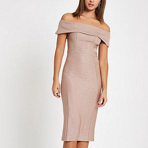Mini-robe rose clair moulante Bardot à bandes