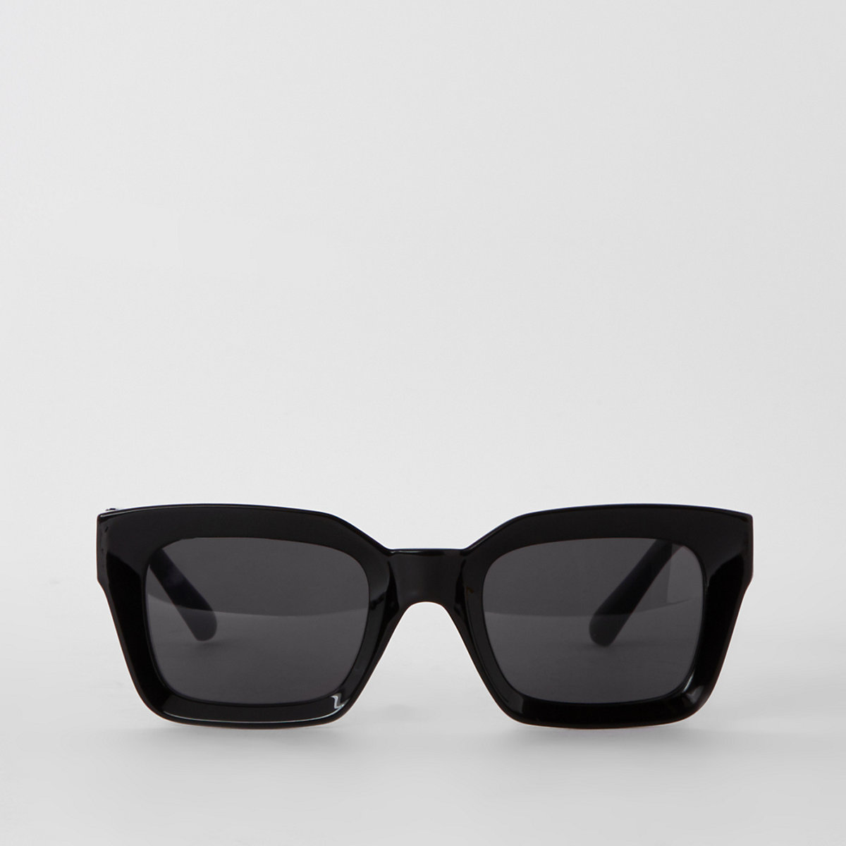 Black glam smoke lens sunglasses