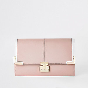 Light pink travel wallet