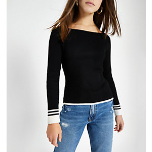 Petite black tipped boat neck top