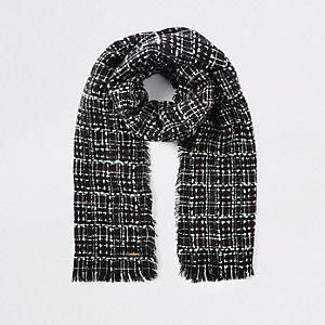 Écharpe en maille bouclée à carreaux noire